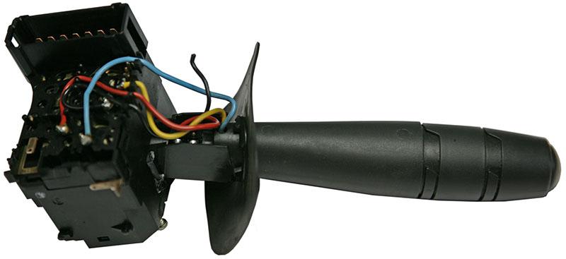 eine rechte einfache Reparatur: ein defekter DACIA-Blinkerhebel mit Kabelbruch