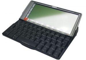 generalüberholter etwa 17 Jahre alter Psion Serie 5mx Pro mit 32MB Ram, in sehr schönem Zustand