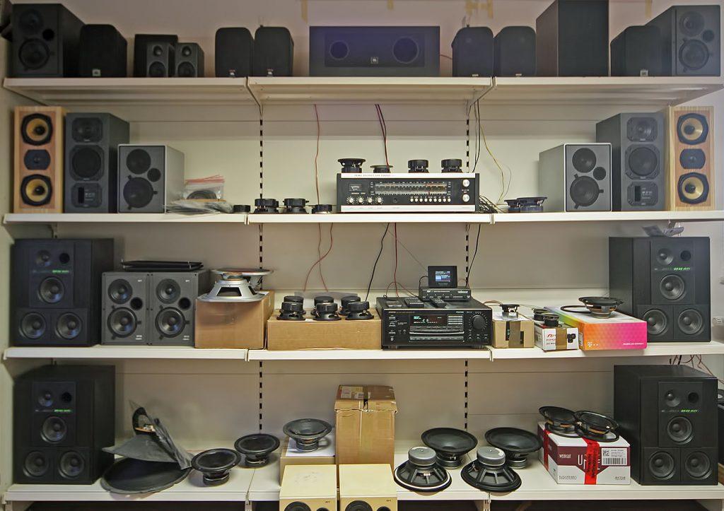aktuelle Lautsprecherreparaturen und Lautsprecher-Boxen