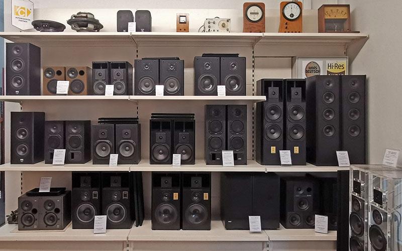 restaurierte Lautsprecher-Boxen für den Verkauf im September 2019