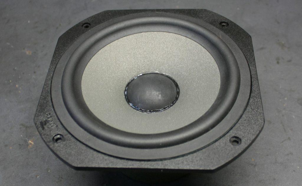 Focal JM-Lab Chorus LCR700 Tieftöner nach der Reparatur