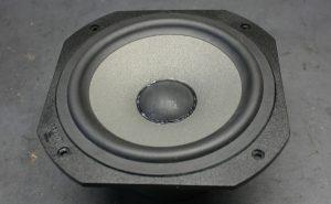 Focal-JMlab-Chorus LCR700 Tieftöner nach repariertem Korbbruch