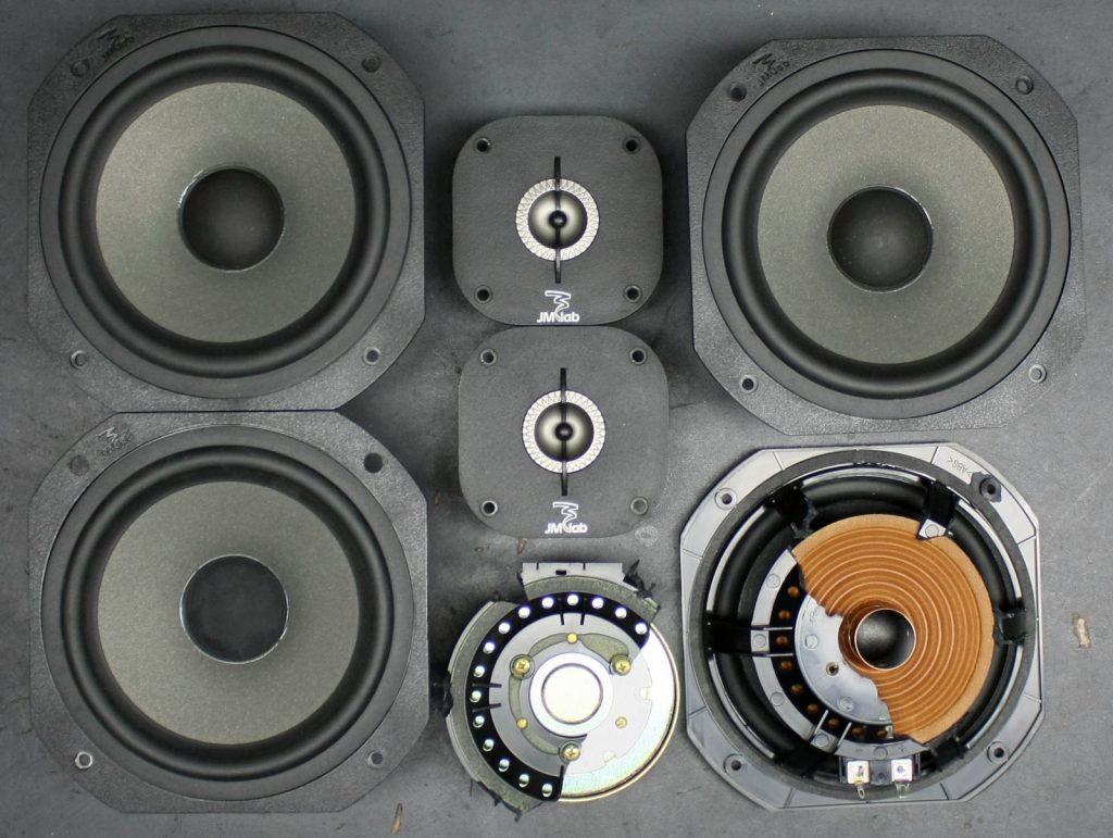 Focal JM-Lab Chorus LCR700 ausgebaute Chassis