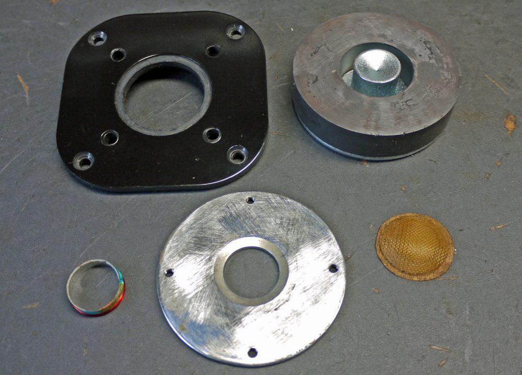 Focal TC92 komplett zerlegt da Schwingspule abgerissen und verbogen, Schwingspule konnte gerettet werden und wurde neu verlötet