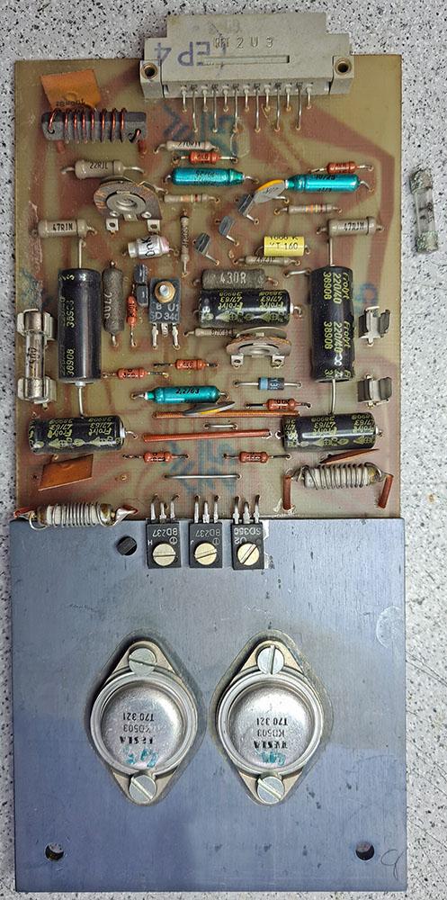 ME Geithain RL 900 Hochton-Verstärker-Platine, eine weitere solche Platine bedient den Mitteltöner